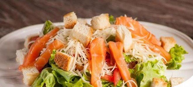 рецепт цезарь с семгой и листьями салата