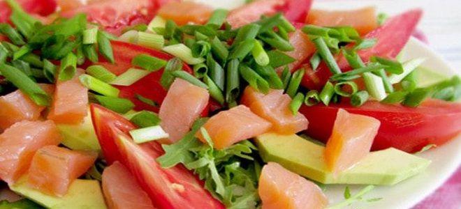 салат с рукколой семгой авокадо