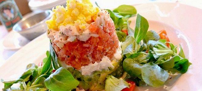 салат с семгой авокадо и творожным сыром