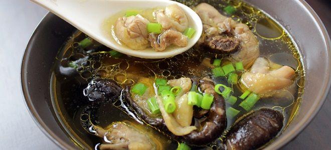 Суп грибной из замороженных грибов с курицей