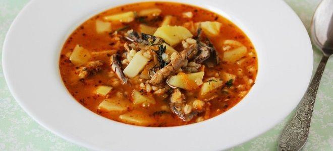 суп картофельный с килькой в томатном соусе