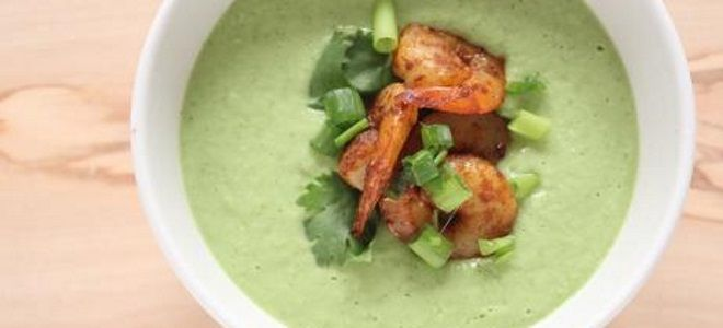 суп пюре из авокадо с креветками