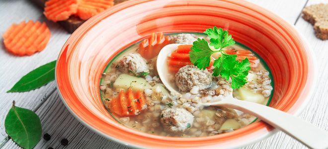 суп с куриными фрикадельками и гречкой