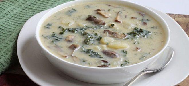 Суп с шампиньонами и картофелем и сыром