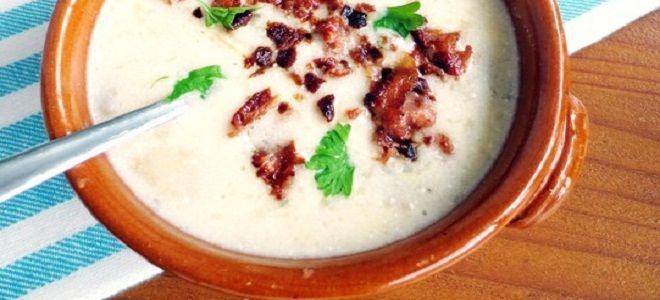 Сырный суп с беконом и шампиньонами