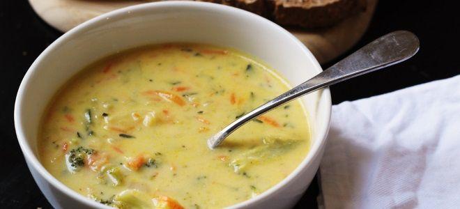 Сырный суп с сельдереем и курицей