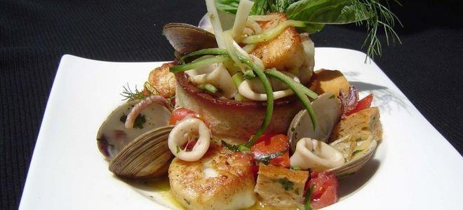 теплый салат с морепродуктами рецепт