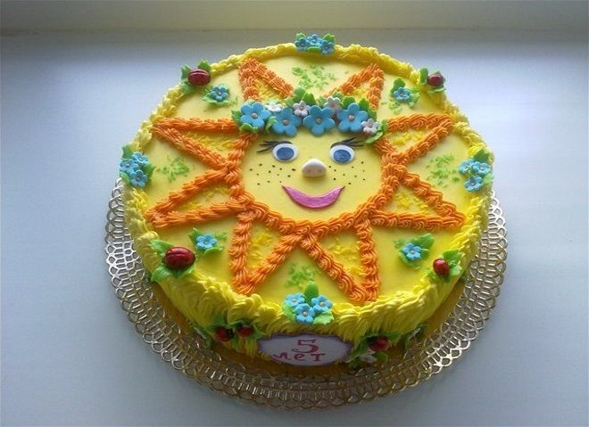 Украшение детского торта Солнышко на торте из масляного крема