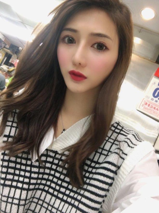 Прекрасная продавщица с рыбного рынка оказалась … тайваньской моделью!