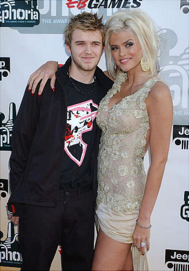 Анна Николь Смит с сыном