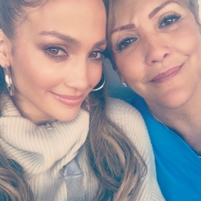 Дженнифер Лопес с мамой