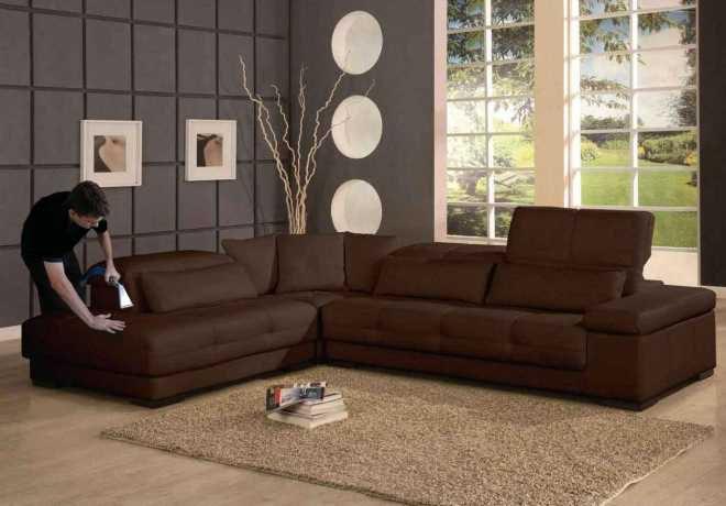 как почистить диван от пыли