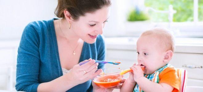 когда ребенок сам ест ложкой