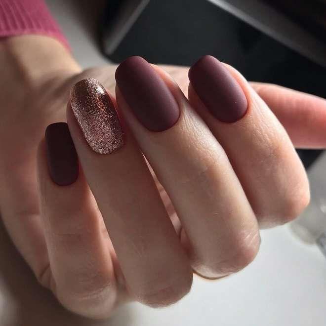 Бордовый маникюр на короткие ногти четыре