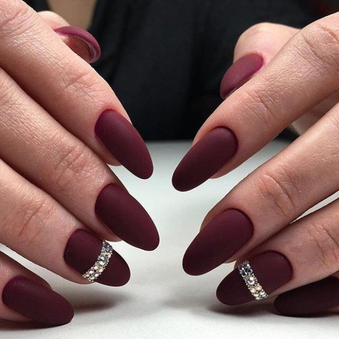Бордовый маникюр на длинные ногти четыре