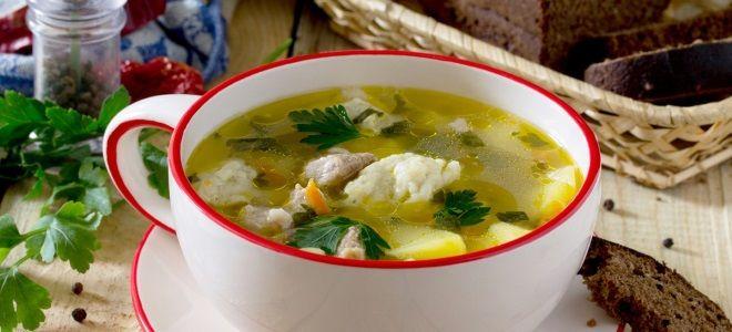 куриный суп с вермишелью и клецками