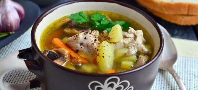 суп с грибами и свининой