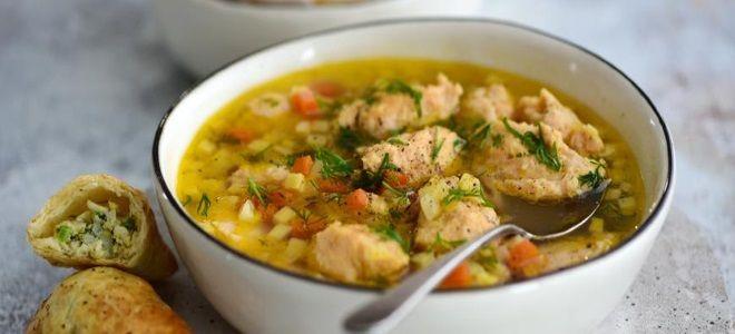 рыбный суп из консервов лосося