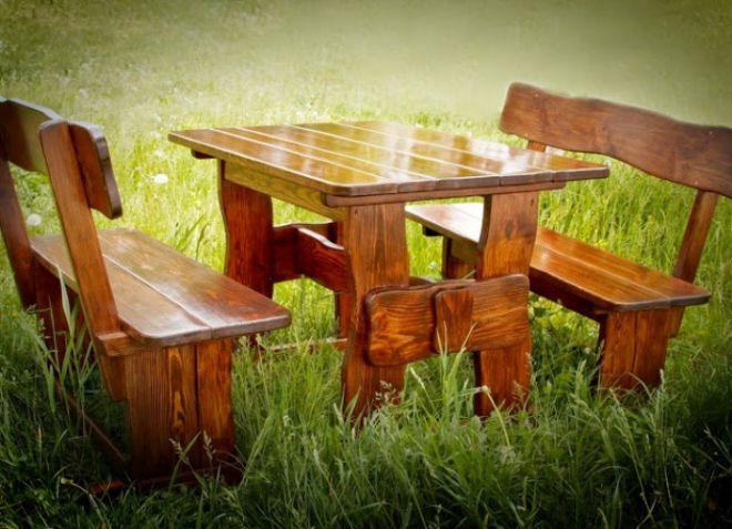 Стол для сада из дерева
