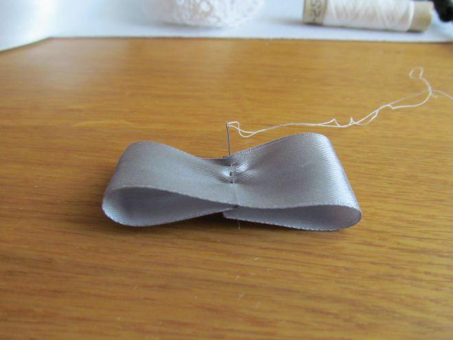 (галстук-бабочка из атласной ленты фото 2)