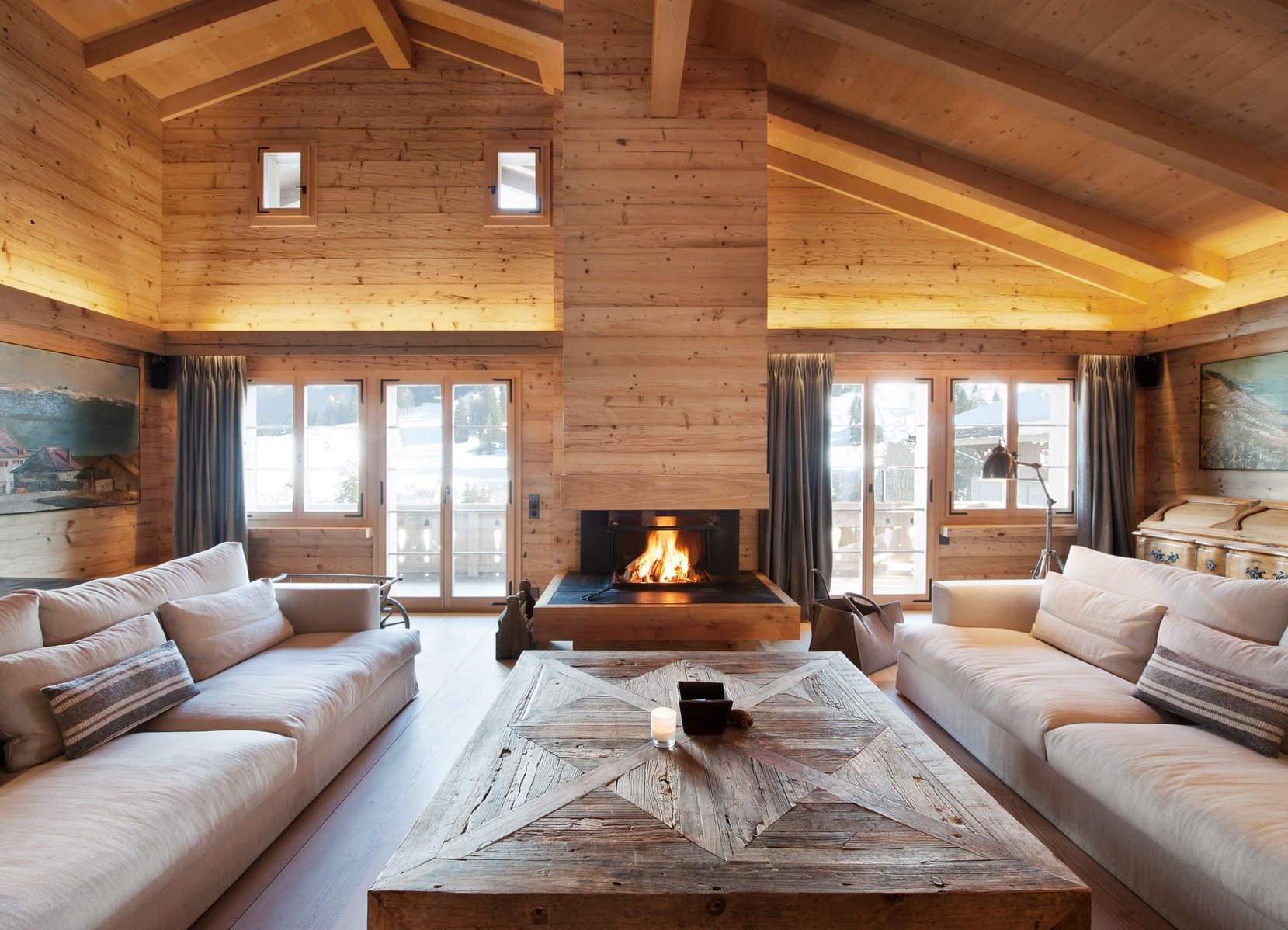Стильные интерьеры деревянных домов