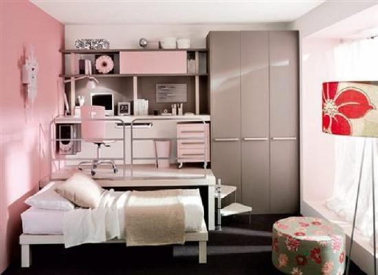 Интерьер в спальне девушки