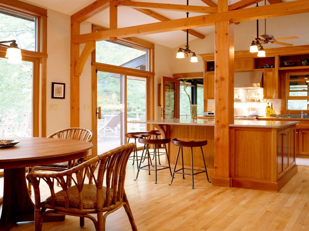 Интерьер кухни-столовой в деревянном доме фото