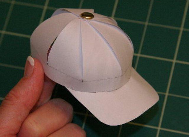 Как сделать своими руками шапку из картона