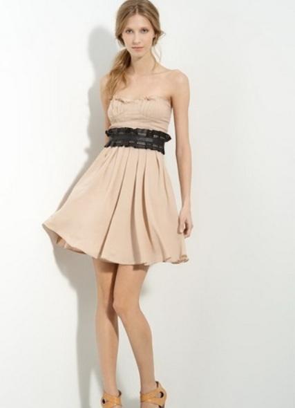 Платье без плеч называется