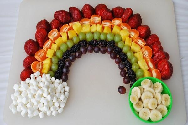 Как называется блюдо приготовленное из нарезанных фруктов