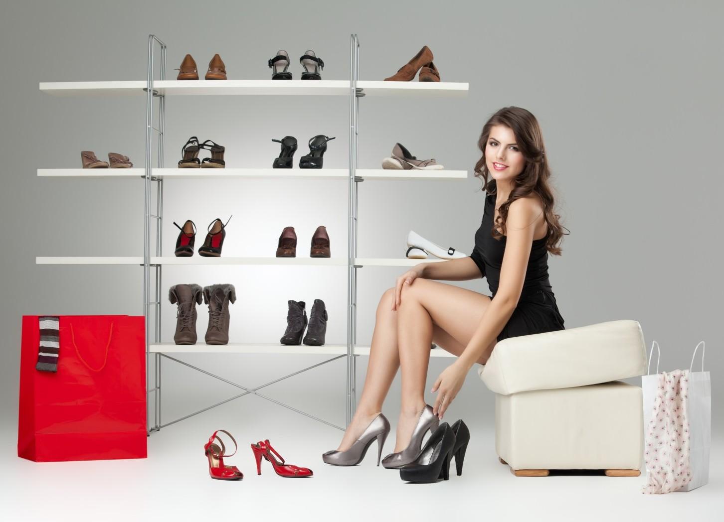 Как разносить тесную обувь 2