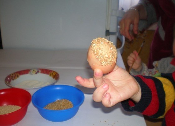 Как сделать поделку из яиц своими руками