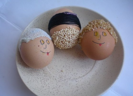 Из яичек своими руками