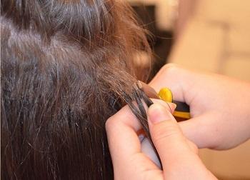 Как снять нарощенные волосы дома