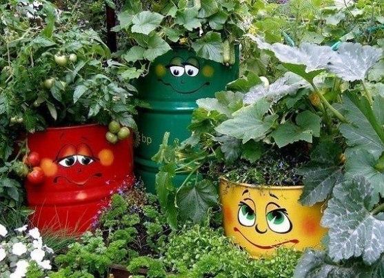 Как своими руками украсить огород своими руками из подручных материалов
