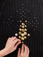 Как украсить свитер своими руками?