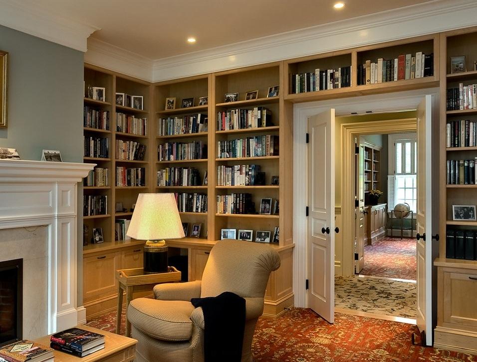 Шкаф книжный в интерьере фото