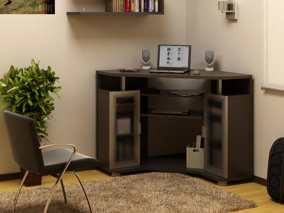 Компьютерный стол для ноутбука.