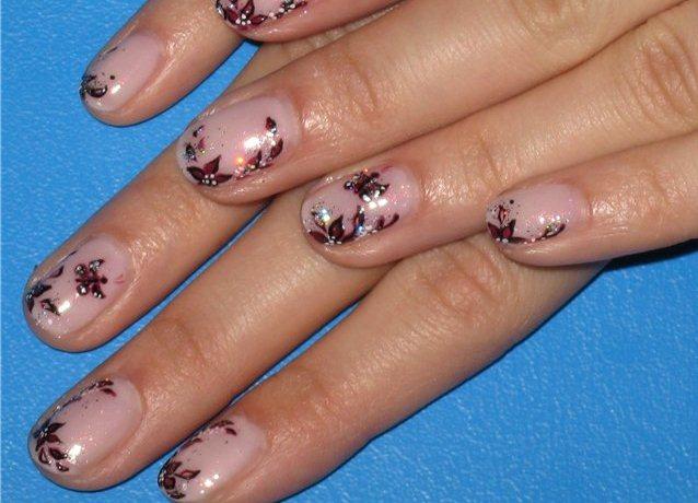 дизайн коротких ногтей френч: