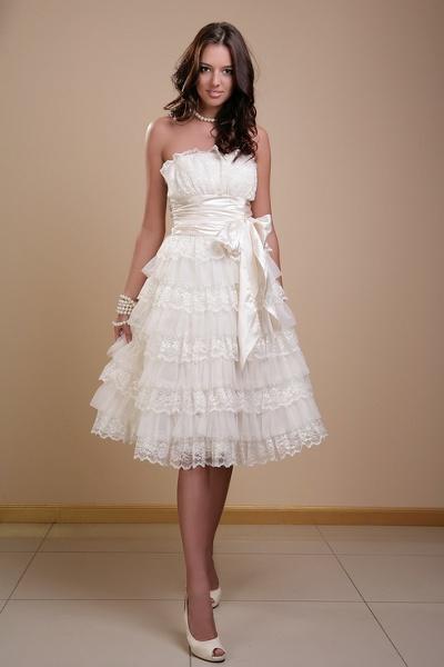 Не пышные короткие свадебные платья