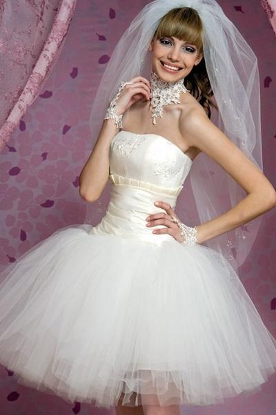 Короткие свадебные платья с корсетом 1