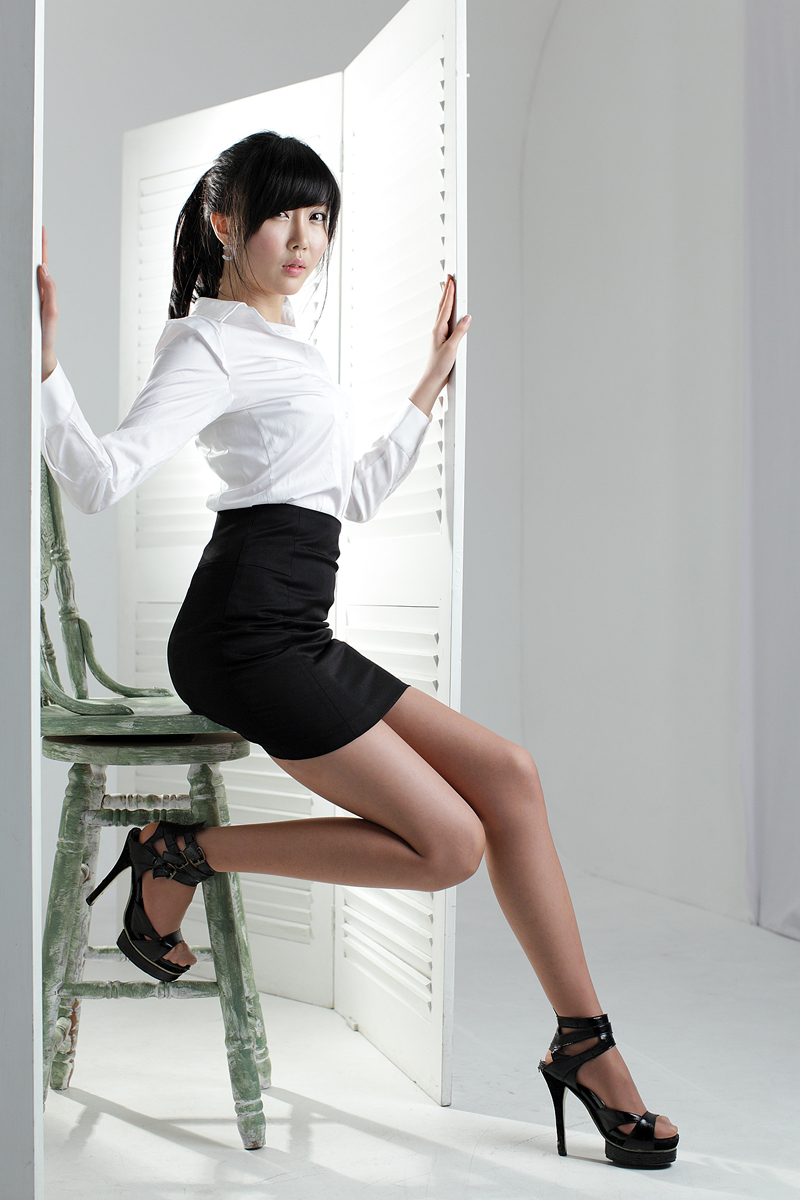 Офисные юбки короткие