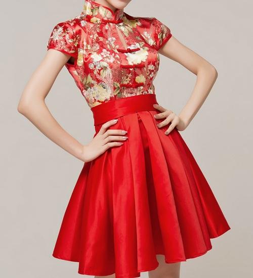 Korotkoe красное платье