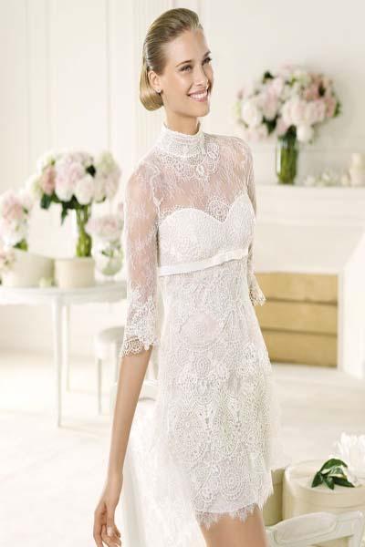 Короткое кружевное свадебное платье 1
