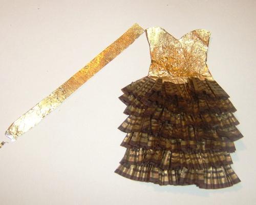 Платье из фантиков своими руками фото
