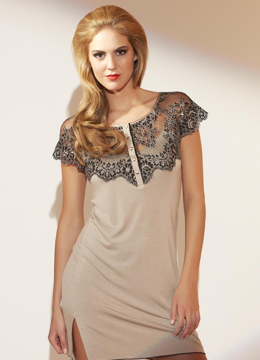 Длинная ночная сорочка - образец элегантности и аристократизма. . Женщина в ней выглядит