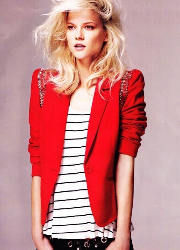 фото красный пиджак женский