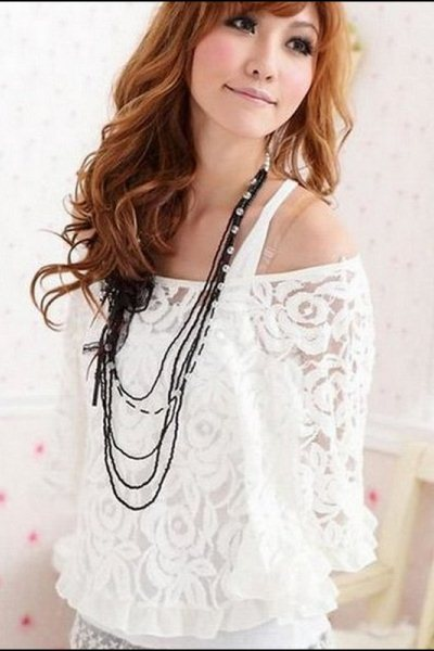 Блузка из кружевного полотна