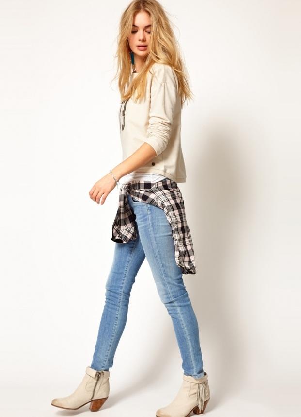 белые джинсы весной с ботинками