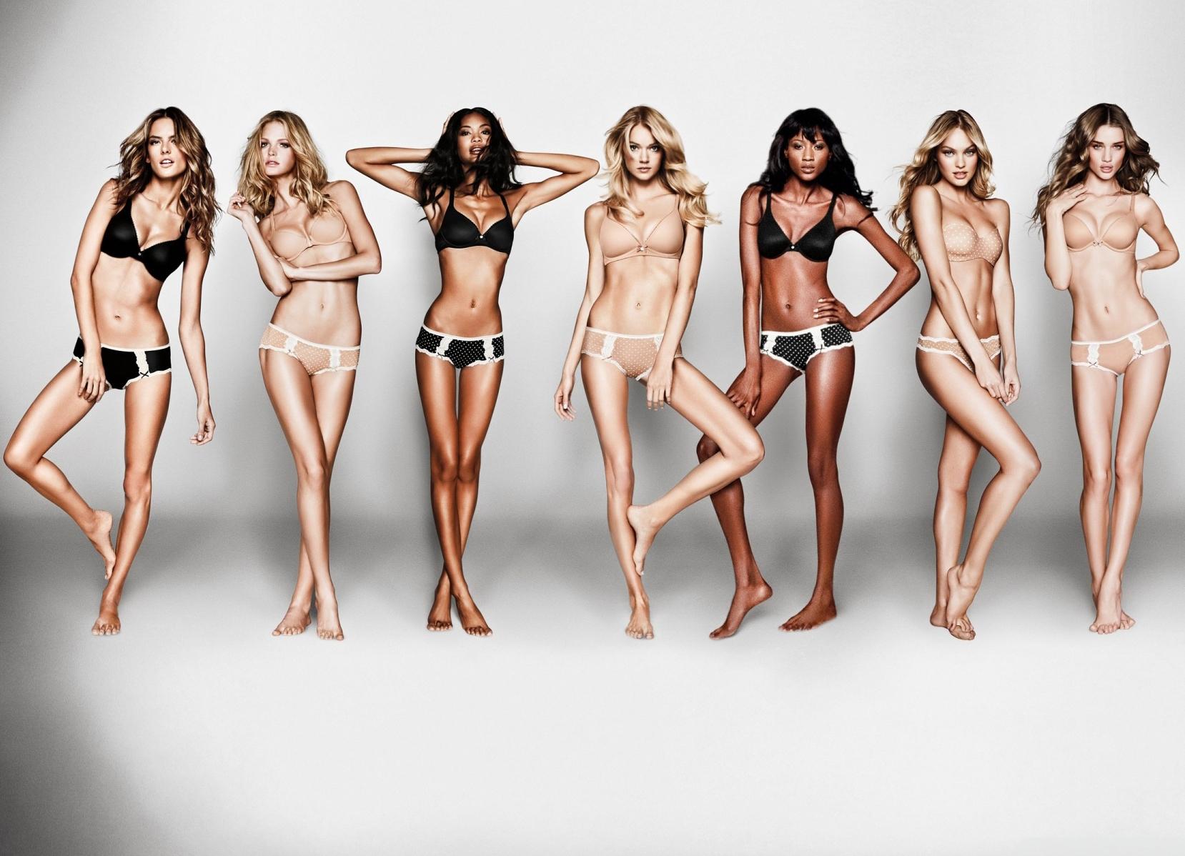 naked x women
